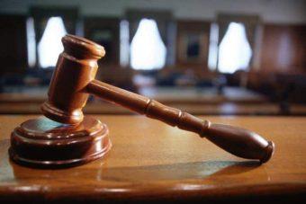 Ισόβια και 26 χρόνια κάθειρξη στον 45χρονο για τη δολοφονική επίθεση με το τσεκούρι στη ΔΟΥ Κοζάνης