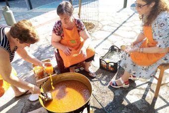 Γευστική παραδοσιακή μαρμελάδα ροδάκινο από τις γυναίκες του Βελβεντού- Μια πρωτοβουλία του Δήμου