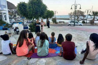 Οι «ιστορίες» της Δημοτικής Βιβλιοθήκης Πτολεμαΐδας ταξίδεψαν στην Τήλο